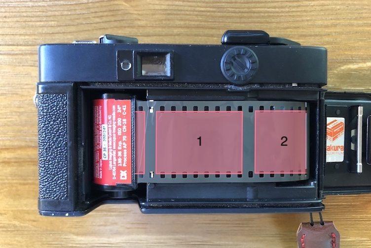 フィルムカメラ 光漏れ 形