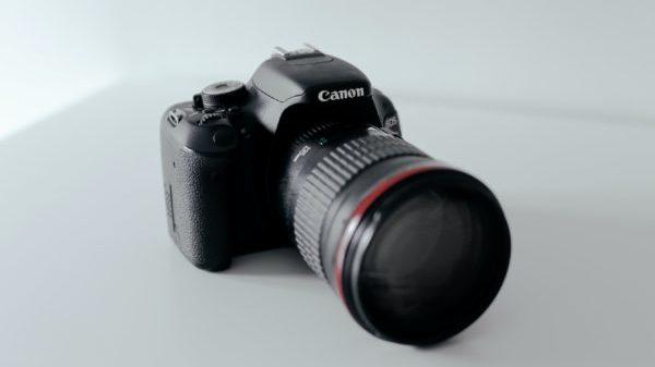 カメラ初心者 ミラーレスカメラ 一眼レフカメラ 画像